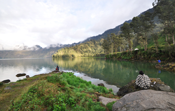 Rinjani Trekking Lake Program